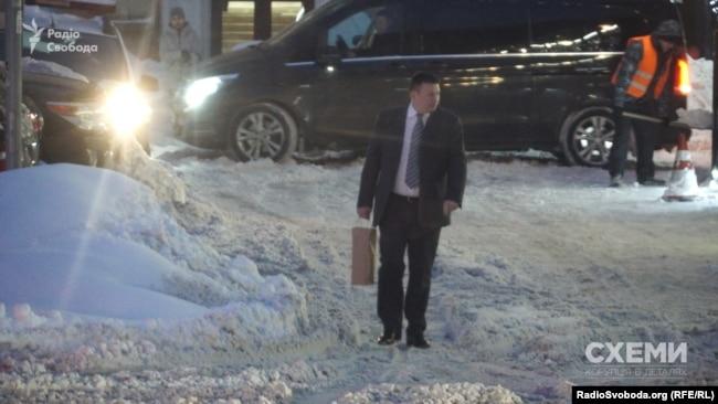Чоловік з пакетом – Олександр Кондратенко