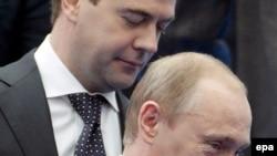 Prezident Dmitri Medvedev baş nazir Vladimir Putini və onun başçılıq etdiyi hökuməti tənqid edib