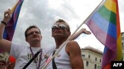 Участники гей-парада в Брно. 2008 год