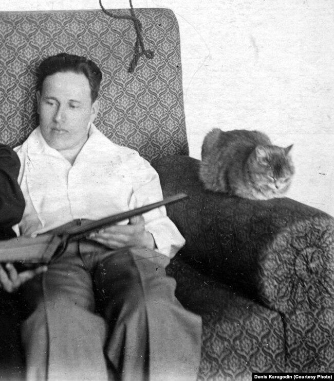 Николай Зырянов с котом