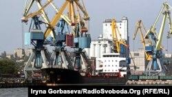 Со строительством Керченского моста в порты Азовского моря не смогут заходить большегрузные суда