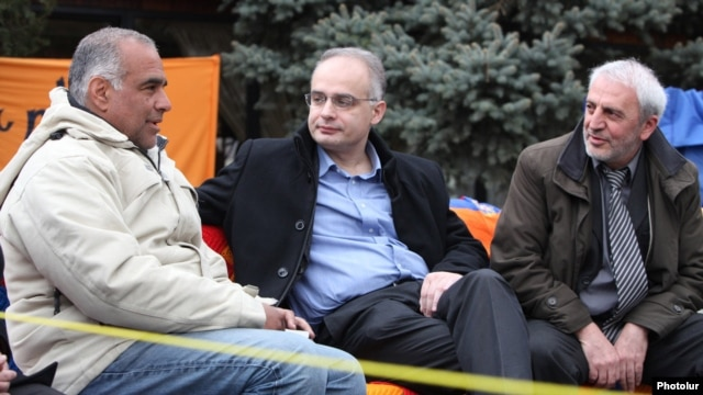 Armenia - Levon Zurabian (C) and Aram Manukian (R) of the Armenian National Congress visit fellow opposition leader Raffi Hovannisian in Yerevan's Liberty Square, 13Mar2013.