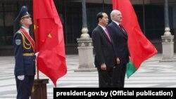 Прэзыдэнт Віетнаму Чан Дай Куанг (у цэнтры) і Аляксандар Лукашэнка