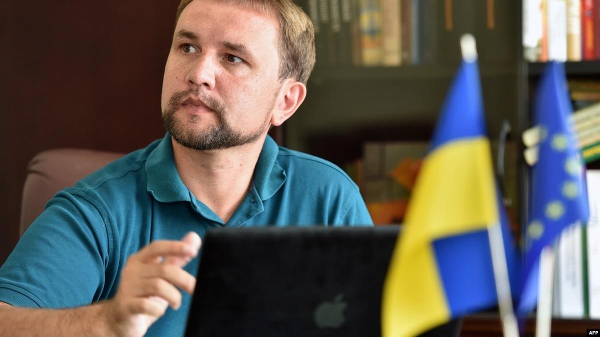 Владимир Вятрович: Зеленский проигрывает, потому что он не политик