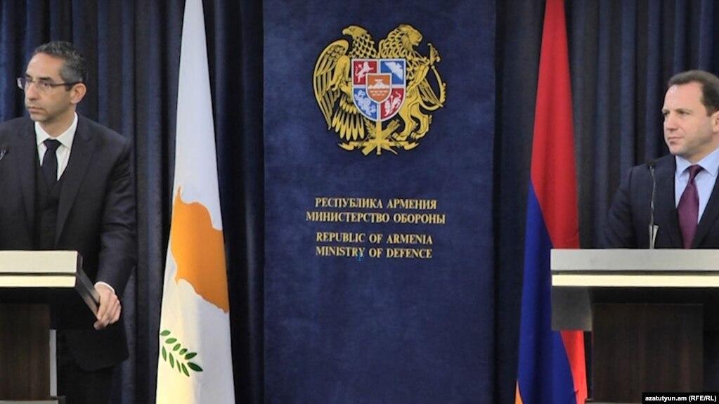 Министр обороны: Армения направила гуманитарную миссию в Сирию по письменному запросу властей этой страны