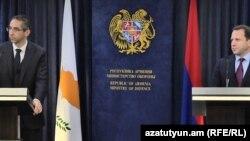 Совместная пресс-конференция министра обороны Кипра Саваса Ангелидиса и министра обороны Армении Давида Тонояна, Ереван, 12 февраля 2019 г.