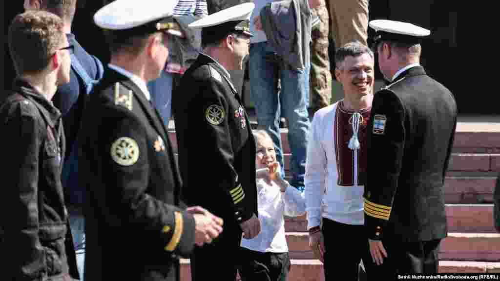 Міністерство з питань тимчасово окупованих територій і внутрішньо переміщених осіб України покликало усіх охочих взяти участь у події, зокрема представників особового складу та ветеранів Військово-морських сил Збройних сил України