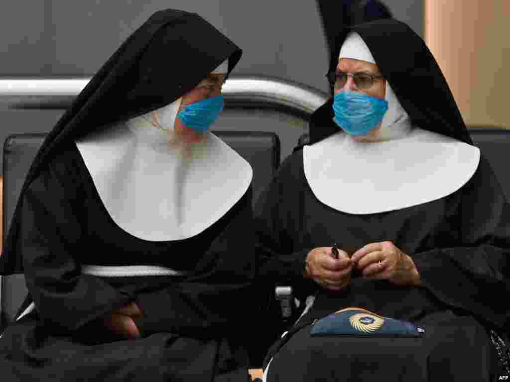 Мексика. В случае опасных болезней человечество давно перестало надеяться только на бога. Вспышка свиного гриппа в Мексике уже привела к гибели 152 человек.