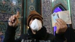 عکس مربوط به انتخابات پیشین مجلس شورای اسلامی است که شاهد یکی از کمرنگترین مشارکتها از سوی مردم بود