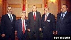 Реджеп Эрдоган (в центре) с лидерами крымских татар, март 2015 г.