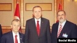 Türkiye prezidenti Recep Tayip Erdoğan ve qırımtatarlarnıñ yetekçileri – Mustafa Cemilev ve Refat Çubarov