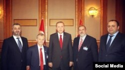 Arhiv fotoresimi: Türkiye prezidenti Erdoğan ve qırımtatar liderleri Mustafa Cemilev, Refat Çubarov