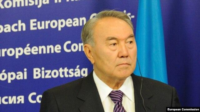 Kazakh President Nursultan Nazarbaev is visiting Brussels on October 9. (file photo)