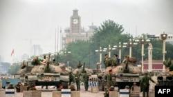 Китайската армия на площад Тянанмън