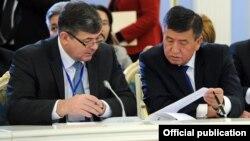Олег Панкратов жана Сооронбай Жээнбеков