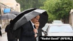 Видоъ бо Иззатулло Ҳаёев