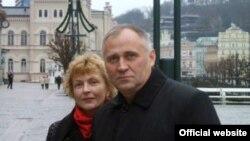 Мікола Статкевіч і Марына Адамовіч, архіўнае фота з сайту statkevich.org