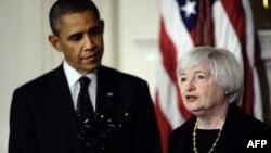 Барак Обама Федералдық қаржы қорының төрайымы болып тағайындалған Джанет Йелленді тыңдап тұр. Вашингтон, 9 қазан 2013 жыл.