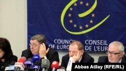 Предвыборная миссия ПАСЕ во время пресс-конференции, Баку, 21 октября 2010