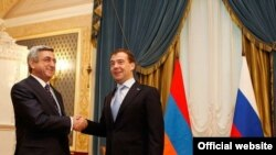 Russia -- Presidents Serzh Sarkisian and Dmitry Medvedev meet in St. Petersburg, 25Feb2011