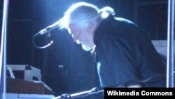 Клавијатуристот и коосновач на британската рок група Дип Парпл, Џон Лорд.