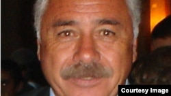 کارلوس کازلی