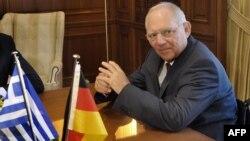 Министр финансов Германии Вольфганг Шойбле на переговорах в Афинах, 18 июля 2013 года