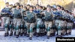 Жінки-військові на марші з нагоди Дня захисника України. Львів, 14 жовтня 2018 року