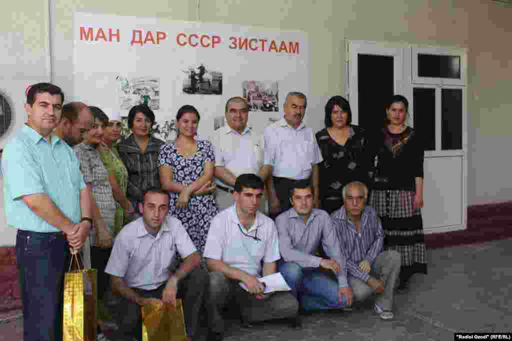 "Tajikistan -- Award ceremony for the winners of competition ""I Was Living in USSR"" by RFE/RL Tajik service, Dushanbe, 27Jul2011"