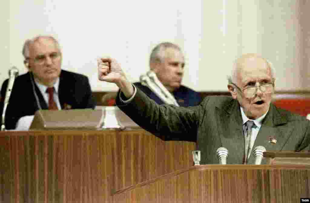 На съезде народных депутатов СССР, июнь 1989