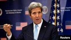Пресс-конференция госсекретаря США Джона Керри во время визита в Киев, 4 марта 2014 года