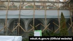 «Реконструкция» Ханского дворца. Архивное фото.