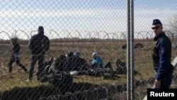 Policiji dozvoljeno da vraća nazad migrante i izbeglice uhvaćene na 8km od izgrađene ograde
