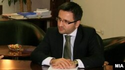Mинистерот за одбрана Фатмир Бесими