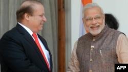 Հնդկաստանի վարչապետ Նարենդրա Մոդիի (աջից) և Պակիստանի վարչապետ Նավազ Շարիֆի հանդիպումը Նյու Դելիում, 27-ը մայիսի, 2014թ․