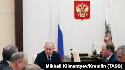 Президент России Владимир Путин на заседании Совета безопасности. 10 августа 2018 года.