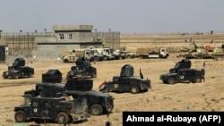 Pamje e djeshme e automjeteve ushtarake të forcave të Irakut afër Kirkukut