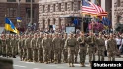 Військові армії США на параді в Києві з нагоди Дня Незалежності України, 24 серпня 2017 року