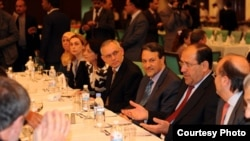 المالكي يلتقي المراقبين الدوليين