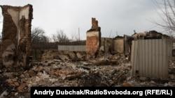 Ілюстративне фото. Результати обстрілу в Зайцевому. Донбас, березень 2016 року