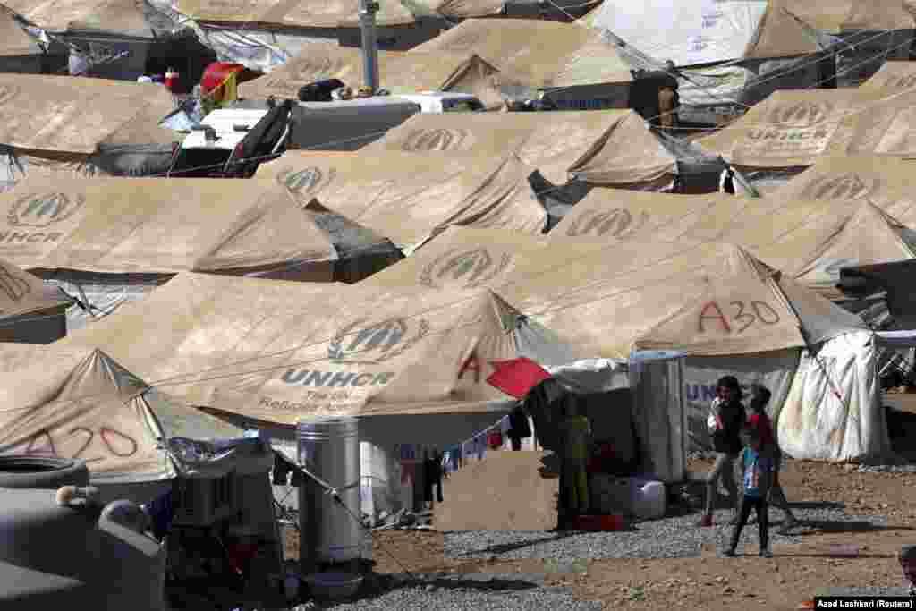 БҰҰ-ның босқындар ісі жөніндегі агенттігі Сириядағы азаматтық соғыстан босып, бас сауғалаған адамдардың саны 2 миллионға жеткенін хабарлады. Суретте: Ирактағысириялық босқындарға арналған лагерь.
