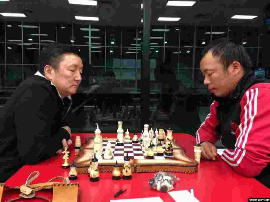 В шахматах победу одержал Насыр Акылбеков из Нью-Йорка