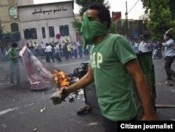 Иран президенті сайлауының даулы нәтижесіне қарсылық шеруі. Тегеран, маусым 2009 жыл.