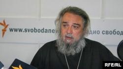 Протоиерей Михаил Ардов в студии Радио Свобода