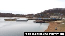 Вольеры на базе передержки в бухте Средняя в Приморье