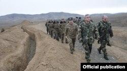Nagorno-Karabakh - Armenian President Serzh Sarkisian visits a Karabakh Armenian army unit, 3Jan2012.