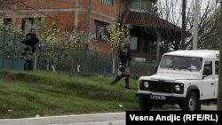 Specijalne snage policije u Resniku, 9. april 2012.
