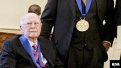 اولی جانستون، مرد «لحظات پر احساس» انيميشن های کمپانی ديزنی در سن ۹۵ سالگی در حالی که از ضعف پيری رنج می برد، در واشينگتن درگذشت.