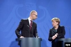 Cei doi lideri la conferința de presă de la Berlin