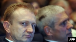 Novoizabrani predsednik DS Dragan Đilas i sada počasni predsednik stranke Boris Tadić